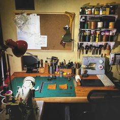 While I may have dreams of having a full service shop with stitching, dying, and tooling stations and every machine under the Sun... There is something to be said about having just the right amount of space to do what you need to do. Great setup. Repost from @workshop_goods -  My Leather Workbench  #leather #leatherwork #leathercraft #leathergoods #leathertools #maker #craftsman #leatherstudio #leathersmith #altier #leatherworkbench #tooling #stamping #tandyleather #handcrafted #handsewn…