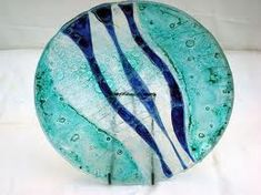 Fused Glass Plates, Fused Glass Art, Image Glass, Stained Glass Paint, Glass Coasters, Plates And Bowls, Geometric Designs, Glass Design, Cool Art