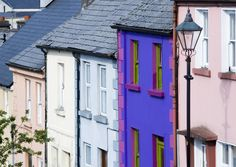 Colourful Georgian houses in Westport, County Mayo  http://www.insightguides.com/destinations/europe/ireland/cultural-features/irelands-architecture