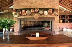 decor of bbq station Rustic Outdoor Kitchens, Outdoor Rooms, Outdoor Living, Fire Cooking, Outdoor Cooking, Dream Home Design, House Design, Commercial Kitchen Design, Built In Braai