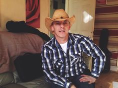 Wayne's Saints & Sinners country song profile picture