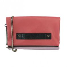 Pink and grey leather shoulder bag with heart shaped studs and detachable bronze chain. It can be used as a pochette – cm 27x16
