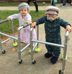 30 Matching Siblings Halloween Costumes which are the cutest costumes of the year - Hike n Dip This Halloween, get matching costumes for your kids. Take inspo from these adorable Siblings Halloween Costumes ideas perfect for Brothers & Sisters. Sibling Halloween Costumes, Funny Kid Costumes, Cute Baby Costumes, Matching Costumes, Halloween Kids, Halloween 2019, Baby Grandma Costume, Costumes For Babies, Little Girl Halloween Costumes