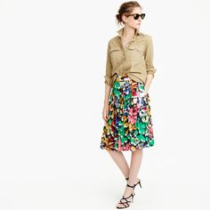 Tall double-pleated midi skirt in colorful brushstroke print
