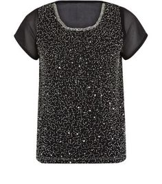 """Blue Vanilla. Add a bead embellishment to a pair of classic black skinny jeans - wear with ankle strap heels and a faux fur coat to finish the look.- All over bead embellishment.- Simple short sleeves- Loose chiffon fabric- Casual fit- Round neck- Model is 5'8""""/176cm and wears UK 10/EU 38/US 6"""