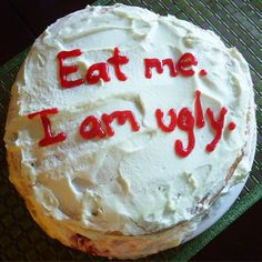 14 Hysterical Cake Fails You Have To See To Believe Funny Birthday Cakes, Pretty Birthday Cakes, Funny Cake, Pretty Cakes, Cake Meme, Bad Cakes, Just Cakes, Ugly Cakes, Camo Wedding Cakes