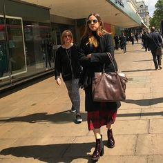 Oxford Street! #streetstyle #oxfordstreet #oxfordstreetstyle @oxfordstreetw1 @london @troy_wise @5by5forever #london #londonstyle #ldn #celebritystyle #fashionmeetsthestreets #iastreetstyle #streetsoflondon #style #fashion #fashionphotography #fashionblogger #streetphotography #humansoflondon #fashionable #uk #britishfashion #spring2017 #2017 #candid #thisislondon #instalike #instafashion #instastyle #rickguzman #troywise