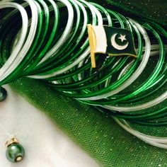 green white bangles and Pakistani flag Dp - Wallpaper DP Happy Independence Day Messages, Happy Independence Day Pakistan, Independence Day Pictures, Pakistan 14 August, Pakistan Zindabad, Pakistan Defence, 14 August Dpz, Pakistan Wallpaper, August Pictures