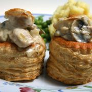 Vol au vent :: Something smarter than us is going to emerge Vol Au Vent, Sandwiches, Meals For Two, The Best, Tapas, Slow Cooker, Chicken Recipes, Appetizers, Low Carb