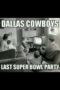 Cowboys last super bowl party meme Nfl Jokes, Funny Football Memes, Funny Nfl, Funny Sports Memes, Sports Humor, Hilarious, 49ers Memes, Basketball Memes, Nba Memes