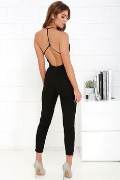 We love the NBD Leaving Black Jumpsuit because it is a perfect outfit in itself! A sexy, plunging neckline is supported by thin straps that form a unique, adjustable T back. Night Outfits, Casual Outfits, Cute Outfits, Fashion Outfits, Womens Fashion, Fashion Ideas, Mode Monochrome, Diy Clothes, Clothes For Women