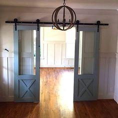 Sliding barn doors with hardware von CrowRiverCreations auf Etsy