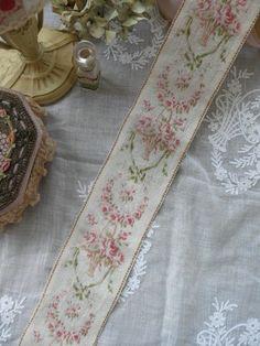 Fabulous Vintage Ribbon - baskets of roses