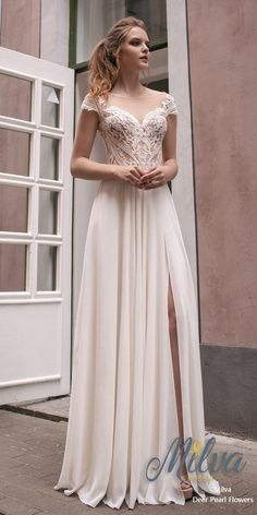 245 Best Beach Wedding Dresses Images Designer Wedding Dresses