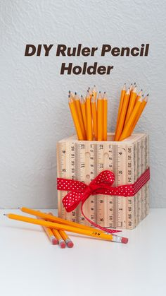 Scrap Wood Projects, Cool Diy Projects, Craft Projects, Easy Teacher Gifts, Teacher Appreciation Gifts, Teacher Bags, Craft Gifts, Diy Gifts, Diy Inspiration