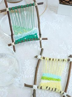 Weaving Loom Diy, Weaving For Kids, Weaving Art, Tapestry Weaving, Easy Yarn Crafts, Crafts To Do, Arts And Crafts, Paper Crafts, Weaving Projects