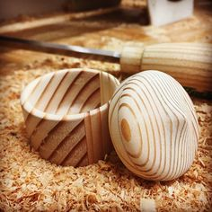 Little box made of Doug-fir CLT. The different orientations of the grain are challenging, but so cute! The piece broke many times. Turned it at the end with a skew chisel and a partying tool. #woodworking #woodwork #woodcraft #womenwoodworkers #woodturning #woodturn #contralaminatedtimber #woodturning #woodturner #womenwoodturning #womeninturning