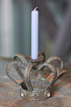 Lovely german vintage looking crown candleholder Candlestick Holders, Candlesticks, Crown Aesthetic, Crown Illustration, Crown Decor, Metal Crown, Kings Crown, Candle Stand, Candle Lanterns