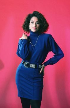 """A certain sitcom character seemed to understand the concept of """"power dressing"""" perfectly: Hilary Banks, the elder Banks sister played by Karyn Parsons in the hit sitcom 'The Fresh Prince Of Bel-Air. Bank Fashion, 80s Fashion, Star Fashion, Vintage Fashion, Fashion Trends, Womens Fashion, School Fashion, Hillary Fresh Prince, Prinz Von Bel Air"""