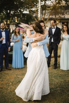 Jacqueline Manfrin by Rafael Côvre Bridesmaid Dresses, Wedding Dresses, Beautiful Bride, Fashion, Weddings, Engagement, Moda, Bridal Dresses