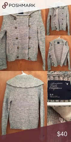 ✨ American Eagle knit jacket for sale! 💯 Only worn once! There is still an extra button attached to the tag inside from the store. No pulls, no snags, perfect condition. Size small. Green & white marled texture. Very toasty warm! Hand wash cold. Lay flat to dry. 38% Acrylic. 29% Wool. 22% Nylon. 9% Alpaca. American Eagle Outfitters Jackets & Coats
