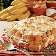 Banana Pudding Recipe _ This Southern Favorite is always a hit at family dinners & great for bringing to parties. Enjoy the combination of flavors & textures in this banana pudding recipe. Pudding Desserts, Banana Pudding Recipes, Dessert Recipes, Pudding Cake, Bannana Pudding, Pudding Pies, Custard Recipes, Dessert Dishes, Just Desserts