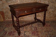 Bureau de style Louis XIII En Noyer d'époque XIXé, Galerie Christophe Elisabeth, Proantic