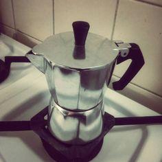 Moka - kofeinový jolt přijde vhod v pošmourném počasí. #coffee #coffeetime #kava #moka #mocca