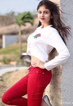 Always Stay and you will see things happening in your 🦋 Beautiful Girl Photo, Cute Girl Photo, Beautiful Girl Indian, Girl Photo Poses, Beautiful Indian Actress, Girl Photos, Beautiful Things, Beautiful Hijab, Beautiful Birds