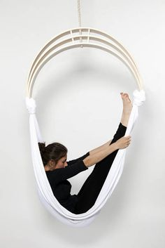 Zen Circus is a piece of fitness furniture between circus and yoga inspired by antigravity yoga. It permits the user to tone up muscles freed from gravity's effects. After the exercises, the user can relax by creating a cocoon.