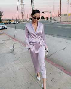 The Best Summer Work Outfits to Wear this Season Work Fashion, Fashion Outfits, Womens Fashion, Emporio Armani, Jeanne Damas, Summer Work Outfits, Ladies Dress Design, Lounge Wear, Anti Aging