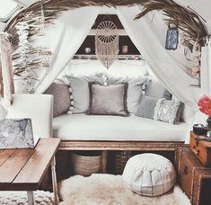 23 Vintage Campers That Will Make You Dream Come True ⋆ Main Dekor Network Vintage Campers, Camping Vintage, Vintage Rv, Shabby Chic Campers, Vintage Motorhome, Vintage Airstream, Vintage Caravans, Vintage Travel Trailers, Interior Trailer