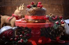20 συνταγές για γλυκά Χριστούγεννα! - www.olivemagazine.gr Greek Christmas, Christmas Sweets, Christmas Baking, All Things Christmas, Xmas, Christmas Recipes, Christmas Projects, Vegan, Cake