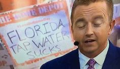 College GameDay was in Knoxville, Tennessee this weekend for the Florida vs. Florida had won 11 straight games in the rivalry, but - Funny - Check out: Funny College GameDay signs are back on Barnorama Funny College, College Humor, College Gameday Signs, Bored At Work, I Laughed, Funny Pictures, Baseball Cards, Photos, Fanny Pics