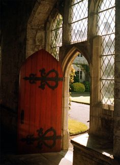 plenilune:    theemeraldisle | em—bee:      Door in UCC