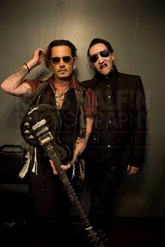 Here you can observe Johnny Dep looking F-ing gooood and Marilyn Manson being badass <3