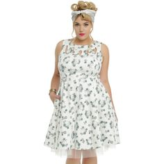 Hot Topic White Skull & Floral Detail Dress Plus Size ($36) ❤ liked on Polyvore featuring dresses, skull dress, plus size skull dress, white day dress, white tulle dress and white floral print dress