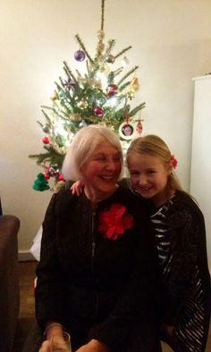 Mijn moeder met mijn dochter Jane op 25 december 2015. Mijn eigen foto.