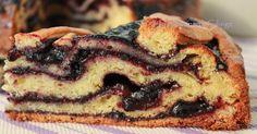E' da tempo che volevo preparare un torta farcita con confettura, naturalmente una torta dove la confettura non affondasse nell'impasto... Strudel, Sweets Cake, Cupcake Cakes, Ricotta, Kitchen Recipes, Cooking Recipes, Xmas Food, French Pastries, Cake Creations