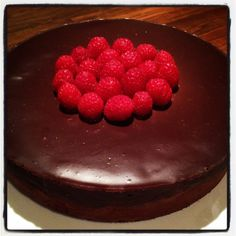 Cheesecake Recipes, Chocolate Cake, Raspberry, Food And Drink, Baking, Fruit, Sweet, Ms, Cakes