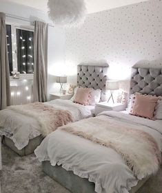 House and Facilities Grey and Pink shared girls bedroom Grey and Pink shared girls bed Twin Girl Bedrooms, Sister Bedroom, Teenage Girl Bedroom Decor, Cute Bedroom Ideas, Shared Bedrooms, Woman Bedroom, Room Ideas Bedroom, Bedroom Girls, Twin Girls