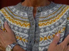 Fasta maskor och lösa funderingar: Somewhere over the rainbow . Fair Isle Knitting Patterns, Fair Isle Pattern, Knitting Charts, Knitting Designs, Free Knitting, Norwegian Knitting, Icelandic Sweaters, Stocking Pattern, Textiles