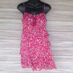 AEO Layered dress Floral dress. Short zipper on front. Stretchy on back for perfect fit. American Eagle Outfitters Dresses Midi