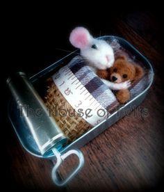 Ratón con osito en lata de fieltro