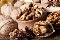 Eating nuts every day could help ward off an expanding waistline. It could also boost heart health and lower the risk of several diseases.  Now the true test ...  eating only one or two handfuls.