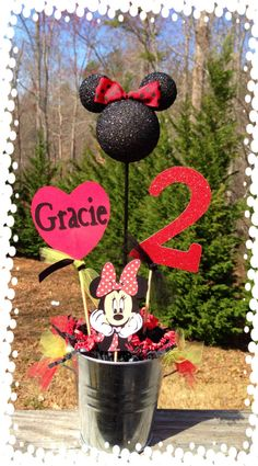 Minnie Mouse Party centerpiece.          Pinned it only because it's Disney and says Gracie!!! :) lol