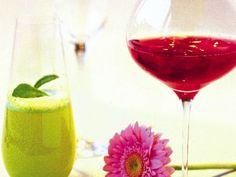 Vårgrön drink, ett måste till buffématen. Örtkaraktären anas och passar ypperligt till italiensk mat eller kryddstarka rätter från de asiatiska köken.