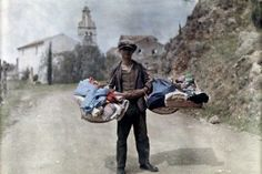 A peddler with his wares passes through the village, Gastouri, Corfu Images by Maynard Owen Williams / Wilhelm Tobien Source: National Geographic Stock Great Photos, Old Photos, Vintage Photos, Interesting Photos, National Geographic, Greece Fashion, Colorized Photos, Rare Images, Autos