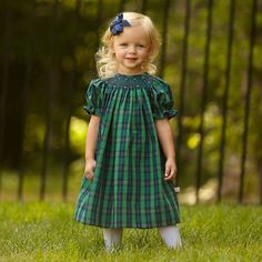 Beautiful and modest green & navy plaid with navy abstract smocked dress! - Optional coordinating Hairbow - Navy abstract at the collar, short sleeves with ric rac. - Falls around mid calve to ankle - Cute Outfits For Kids, Toddler Outfits, Little Girl Dresses, Girls Dresses, Frock Patterns, Smocking Patterns, Toddler Christmas Dress, Fall Baby Clothes, Frocks And Gowns