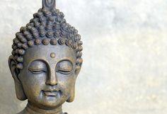 Buddha, der erwachte, besitzt vollkommene Weißheit. Seine Lehre begründete die Weltreligion des Buddhismus.  Artikeldetails:  Dekorative Fototapete, Maße (B/H): ca. 350x250cm, 7 Bahnen,  Material/Qualität:  Hochwertige Vliestapete,  Wissenswertes:  Geeignet für jeden tapezierfähigen Untergrund, feuchtigkeitsbeständig und formstabil, über Jahre farbecht, scheuerbeständig,  ...